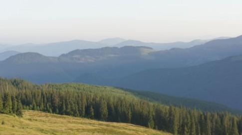"""Góry Marmaroskie - widok na stronę ukraińską (z hali przy jeziorze """"długim"""")"""